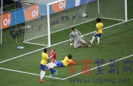世界杯的首粒进球,也是世界杯历史上第一粒在揭幕战上打入的乌龙
